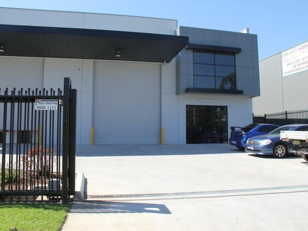 2/19 Devon Road Ingleburn, NSW 2565