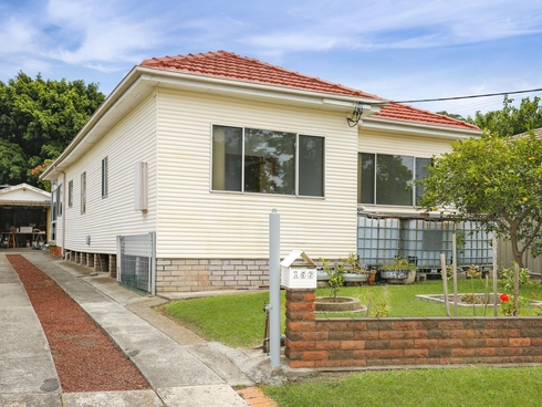 156 Gladstone Avenue Coniston, NSW 2500