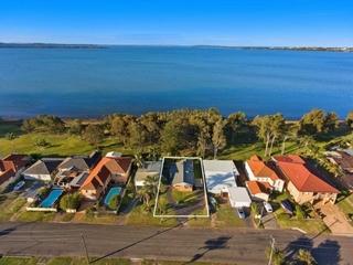 25 Hinemoa Avenue Killarney Vale, NSW 2261