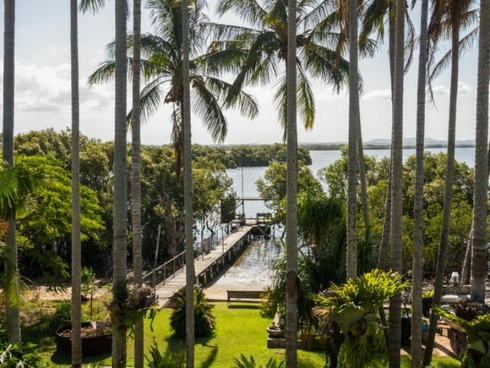 138 Palm Beach Road Russell Island, QLD 4184