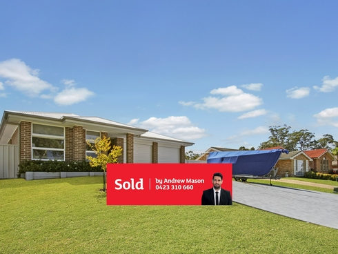 8 Durnford Place St Georges Basin, NSW 2540