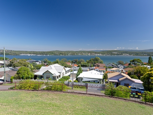 17 Speers Street Speers Point, NSW 2284