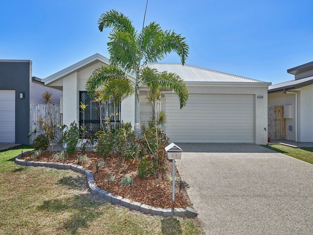 27 Castleton Entrance Smithfield, QLD 4878