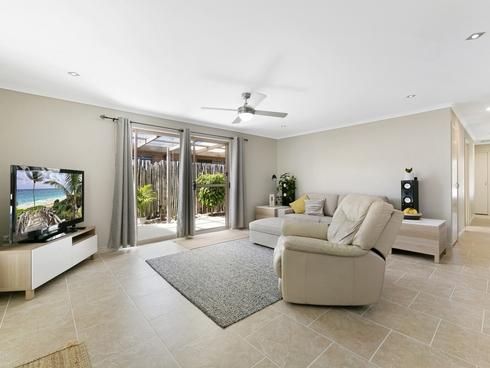 41 Annerley Avenue Runaway Bay, QLD 4216