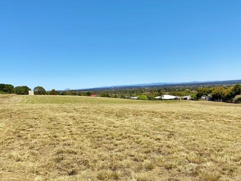 4 Crows Ash Crescent Kingaroy, QLD 4610