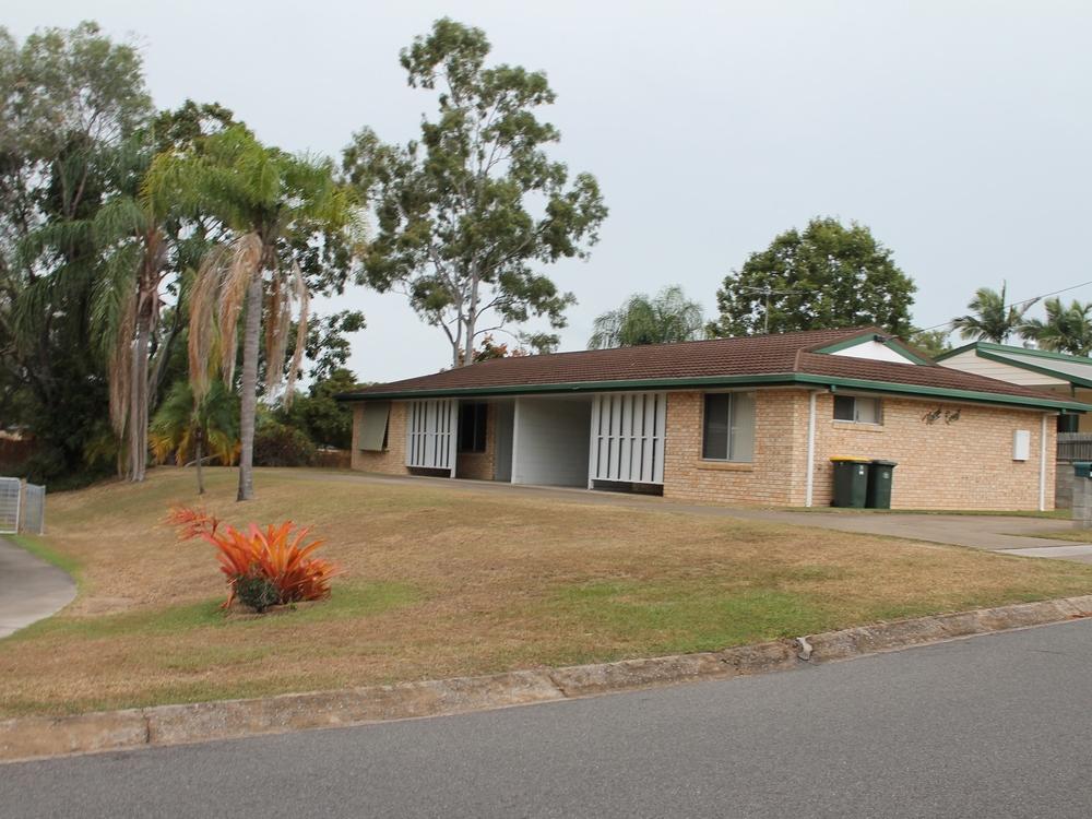 8 Hayes Avenue Boyne Island, QLD 4680