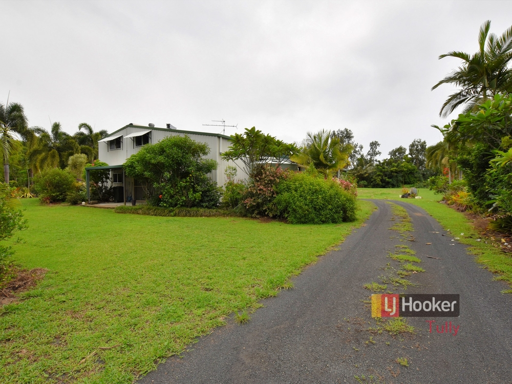 34 Paradise Palm Drive Tully Heads, QLD 4854