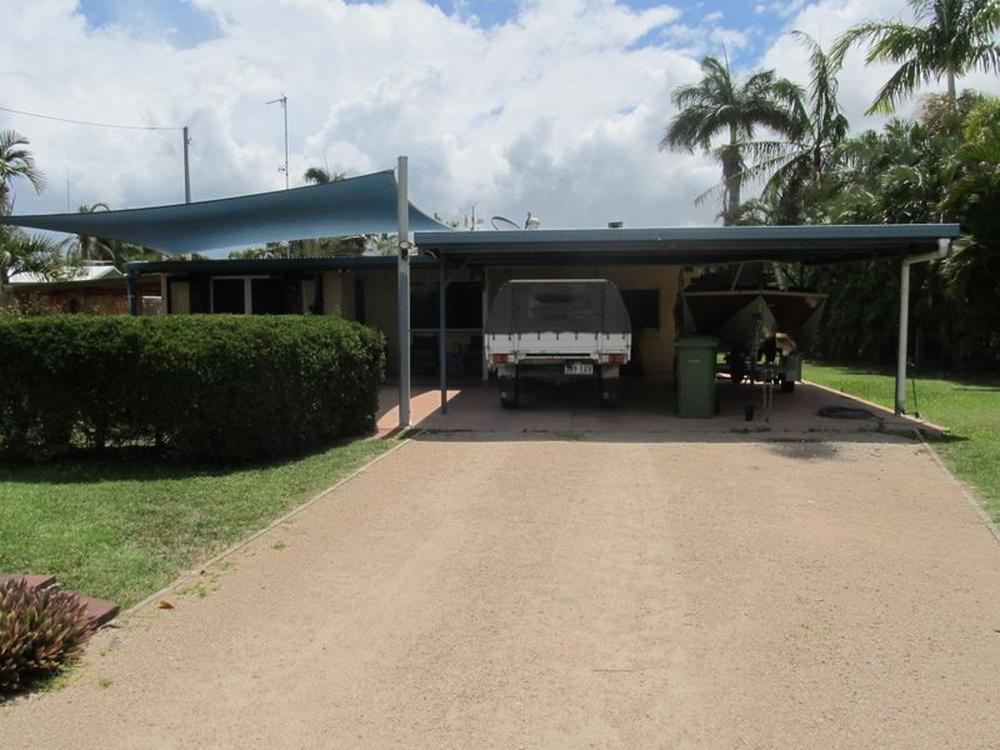 17 Field Street Bowen, QLD 4805