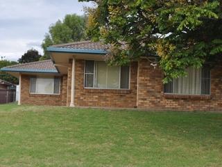 1/8 Hinton Drive Gunnedah , NSW, 2380