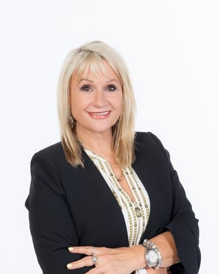 Marisha Hes profile image