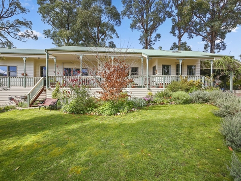1 Barton Avenue Marysville, VIC 3779