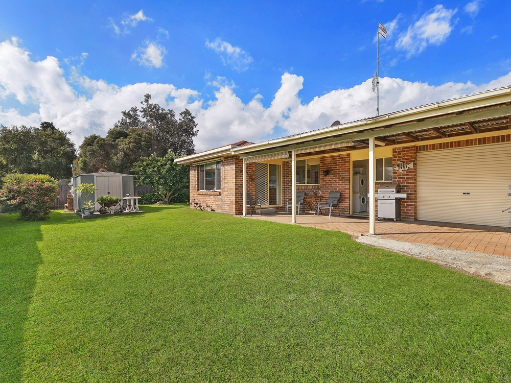 30 Scenic Circle Budgewoi, NSW 2262