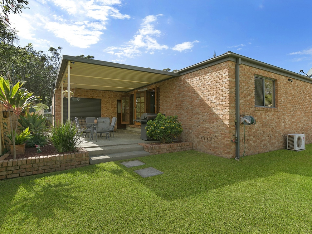 194 Elizabeth Bay Drive Lake Munmorah, NSW 2259