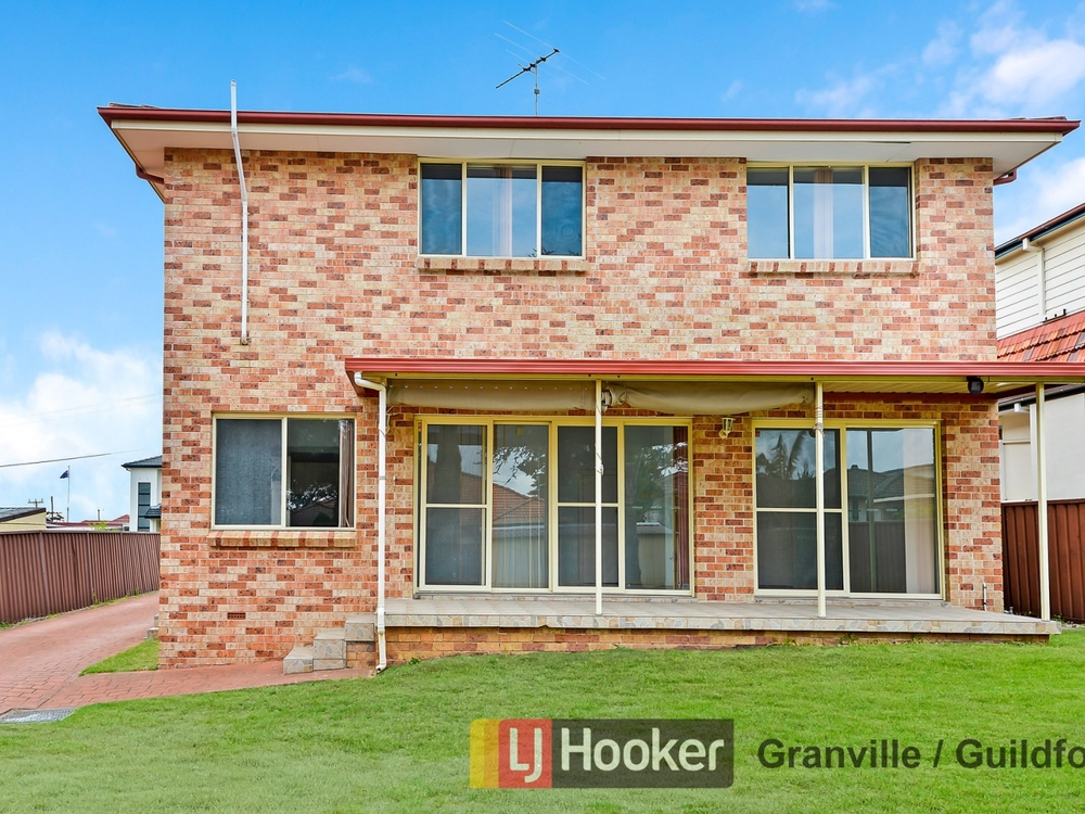 2/442 Blaxcell Street Guildford, NSW 2161