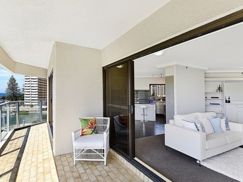 21/2 Admiralty Drive Surfers Paradise, QLD 4217