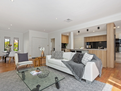8 Flagstaff Lane East Perth, WA 6004