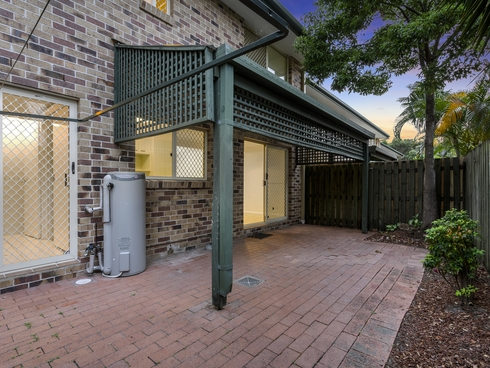 5/18 Bottlewood Court Burleigh Waters, QLD 4220