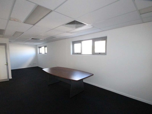 16 Beenleigh Redland Bay Road Loganholme, QLD 4129