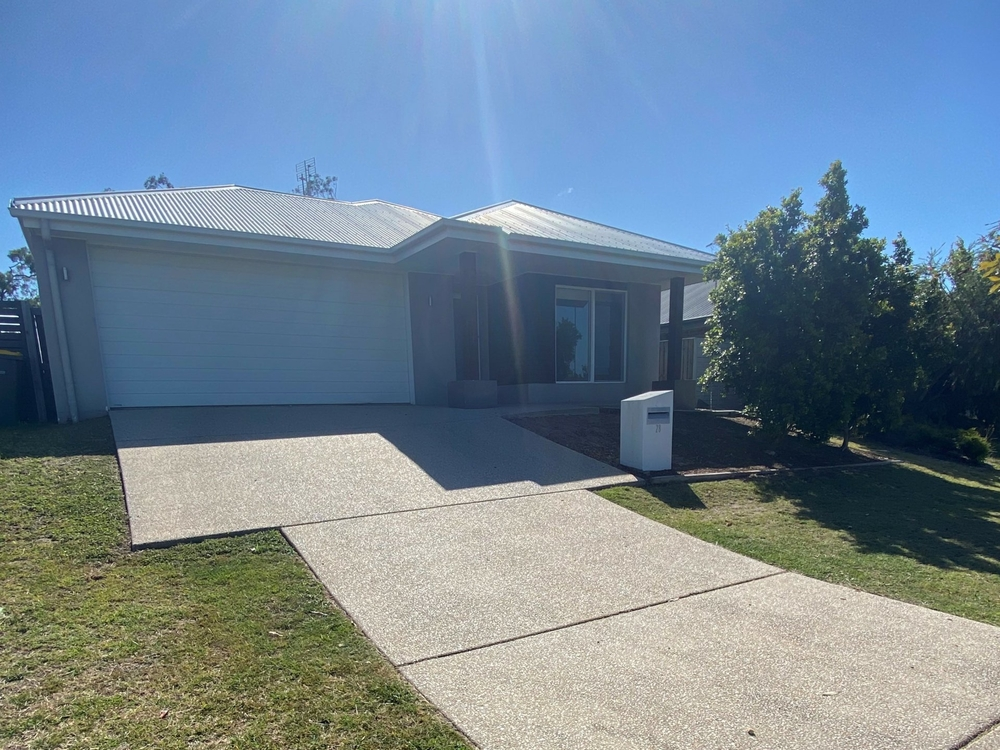 28 Jardine Crescent Boyne Island, QLD 4680