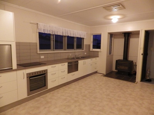 126 Currey Street Roma, QLD 4455