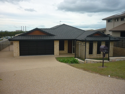 13 Leslie Street Clinton, QLD 4680