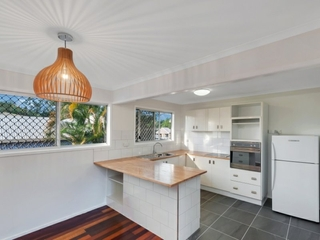 22 Davis Close Manoora , QLD, 4870