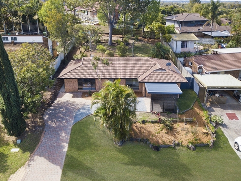 8 Armidale Crescent Helensvale, QLD 4212