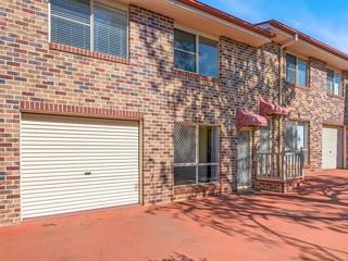 4/33 Helen Street Newtown , QLD, 4350