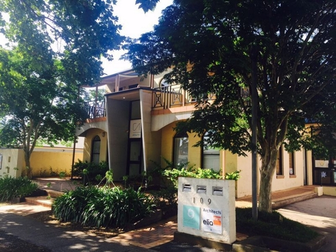 FF Suite 3/109 Herries Street East Toowoomba, QLD 4350